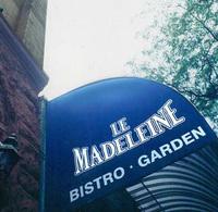 Madeleine_awning